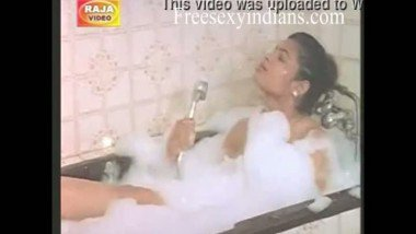 South Indian sexy bhabhi caught by maid during bath