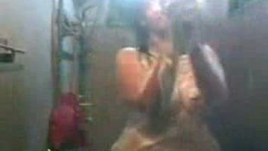 Famous bengali girl Jojo banerjee leaked bath mms