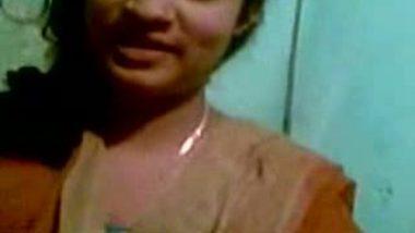 Desi Village girlfriend handjob and blowjob