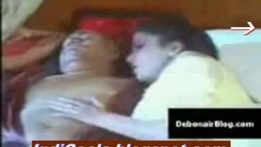 Hubby sleeping and aunty enjoing sex with servant