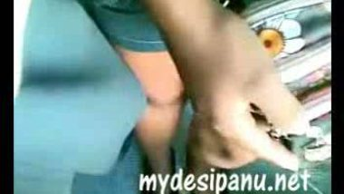 Desi girl trying to touch dick in running train MMS