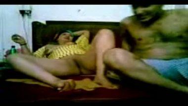 Driver satisfies bhabhi's sexual needs