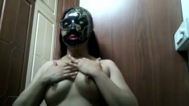 Indian bhabhi exposed her big boobs with mask