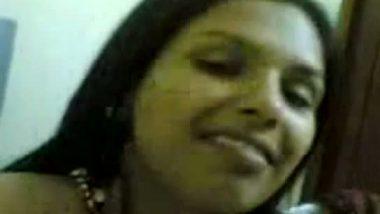 Bhabhi exposed her naked figure