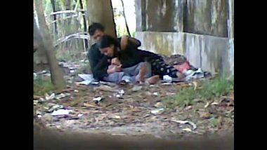 Mumbai college couple outdoor sex