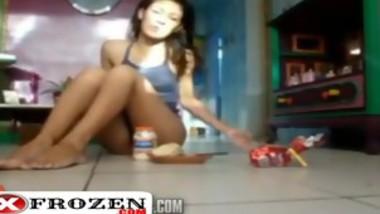 Brazilian Woman Making A Sandwich pussy