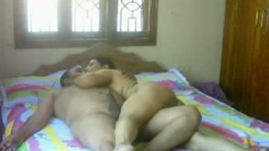 Unsatisfied desi aunty lies naked for hot sex