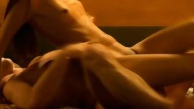 gorgeous babe fucks in tub