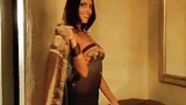 Beautiful Bollywood Indian MILF Hot