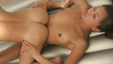 Nuru Girls Easy Massage Time