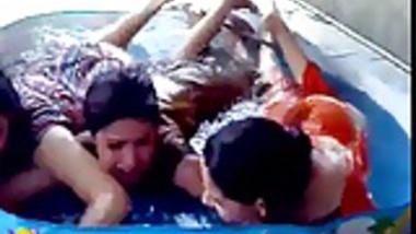 hot girls bathing in tub