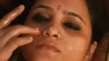 Cute Indian Girl Cummed Over face n Caught on Cam