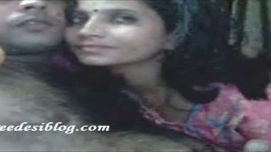 Village bhabhi in night dress reveals webcam sex
