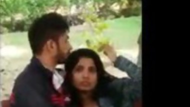 Desi college lovers enjoying in park