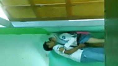 JIlbab mesum di kelas