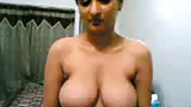 ONE NEW CUTE BHABHI