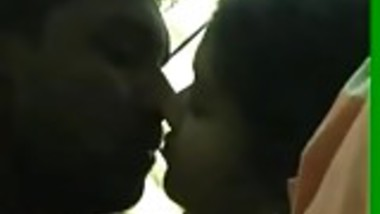 22 friendwife kissing boobs sucking part1