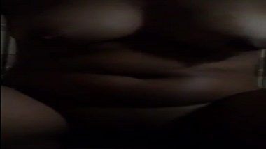 Marathi sex tape of big boobs college babe gone viral on net!