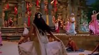 Indian Actress Anushka Dance