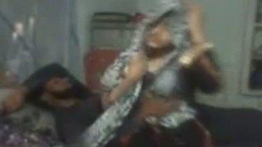 Desi muslim sex porn village bhabhi fucked by devar
