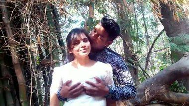 Outdoor sex videos desi village girl with lover