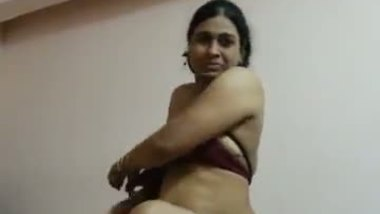 Nude sex mms of Desi bhabhi exposed on demand