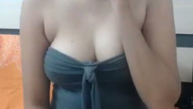 Indian beautiful sister exposed by her cousin