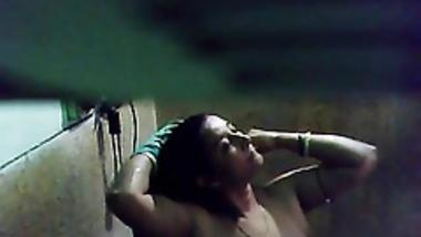 My Hot MOM Bath1