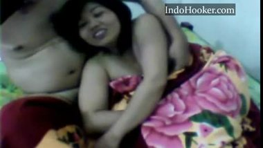 Horny teen doing a 69 sex with her lover