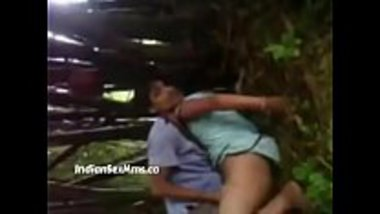 Hot jungle sex with a North East girl