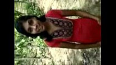 Indian village girl having a nice jungle sex