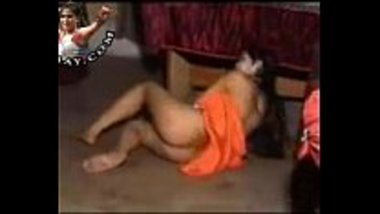 Pakistani chick doing a sexy mujra on a private show