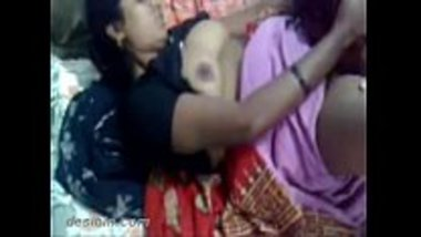 Fucking pussy of the matured desi maid