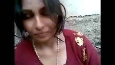 Pakistani Woman's Erotic Dehati Sex Clip