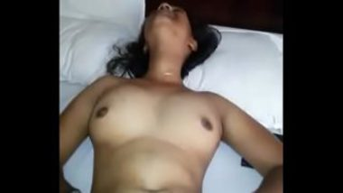 Indian Girl's Reaction During Finger Fucking Session