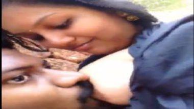 Shy And Hot Mallu Wife Breastfeeding Her Lover Behind Dam