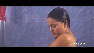 Beautiful Bgrade Actress Nude Bath