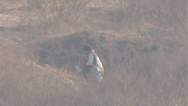 indian lady nature calls voyeur
