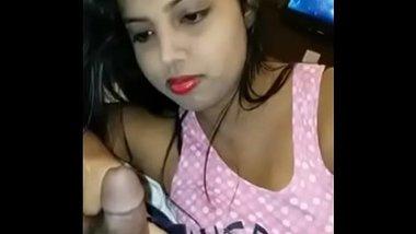 Farhana R desi babe sucking cock